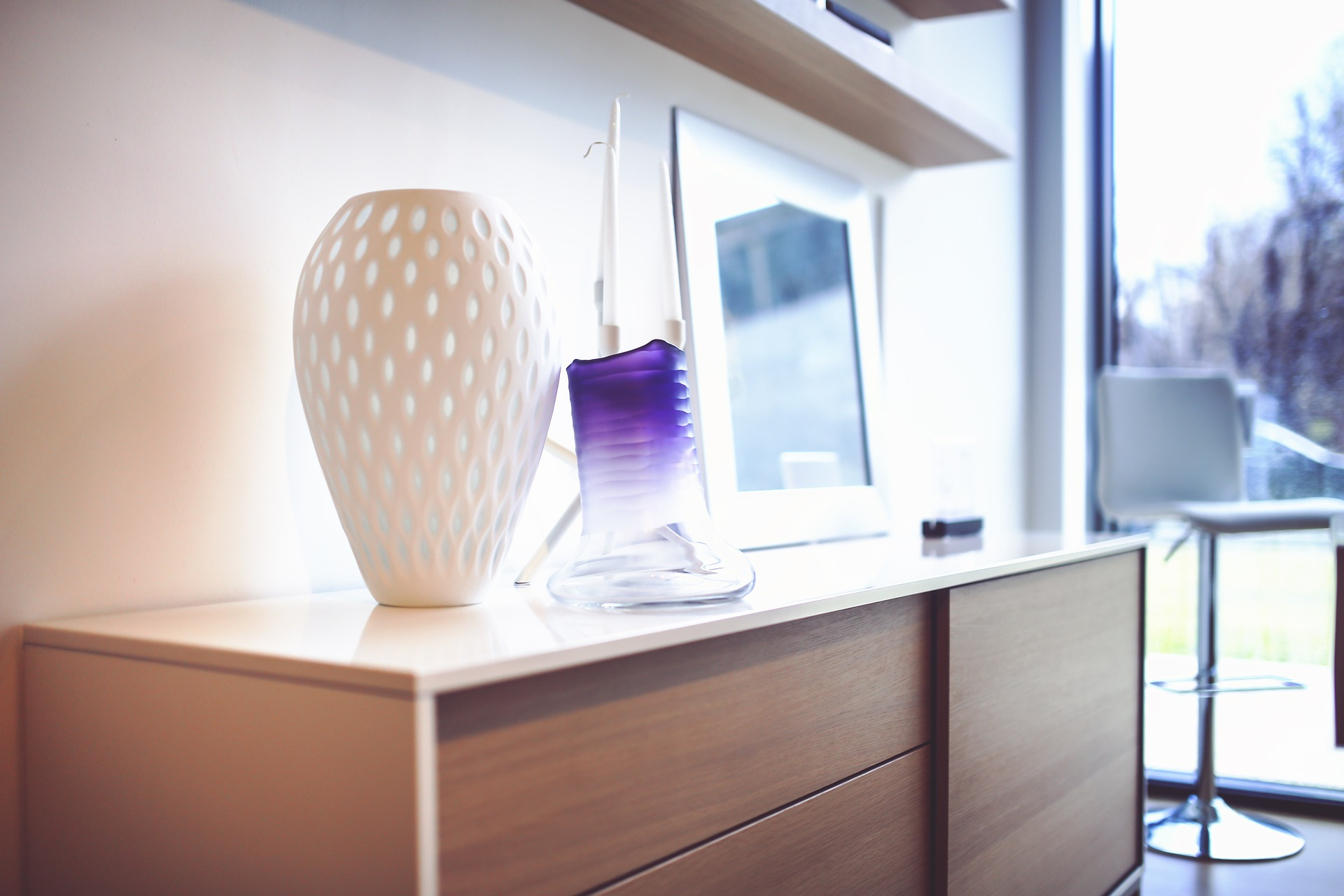 decorative vases in an apartment