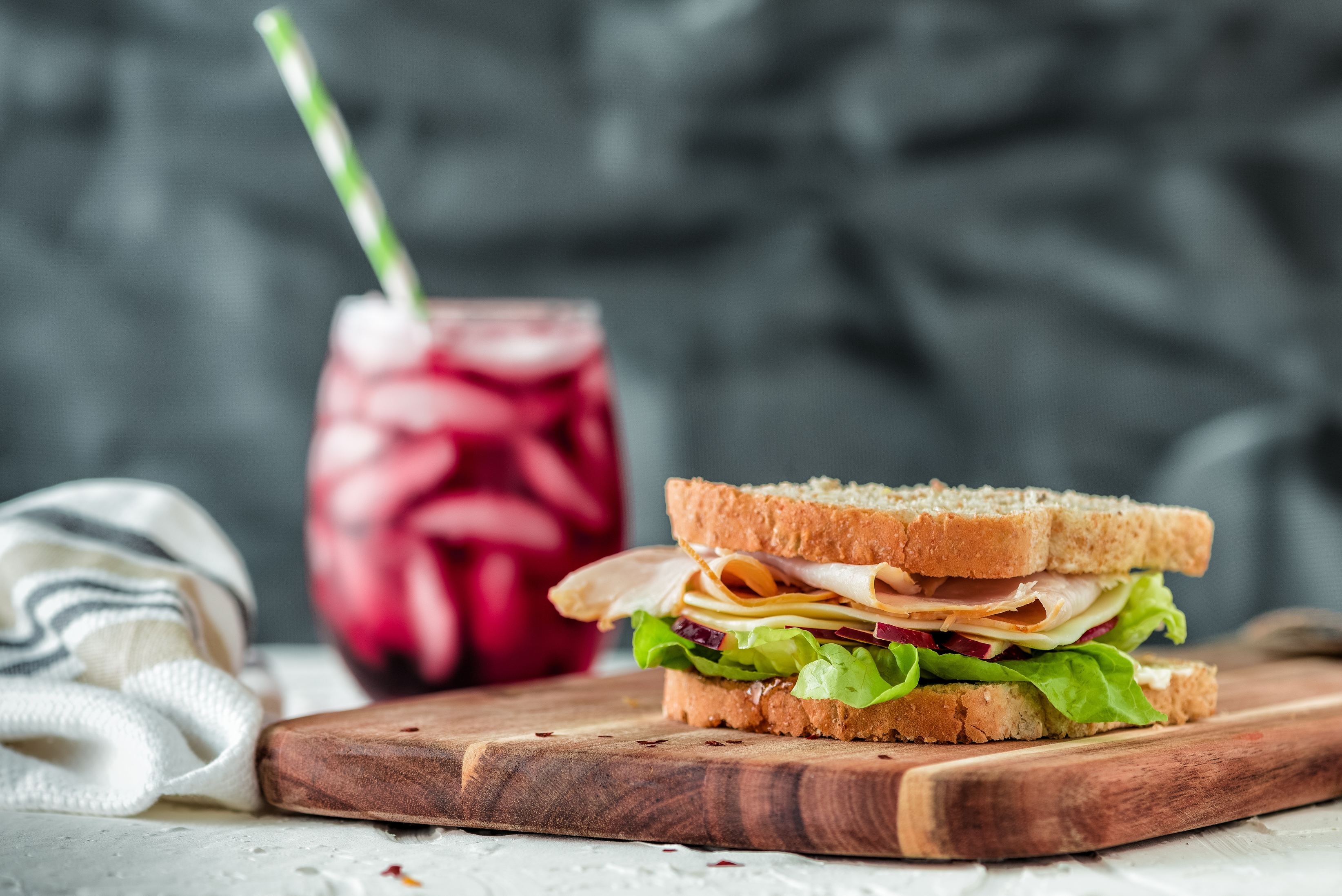 sandwich with smoothie