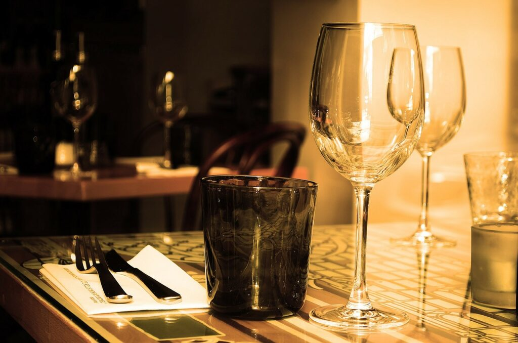 table with glasses and cutlery